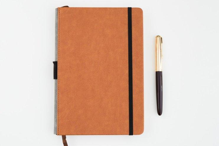 Lemone Notebook Review sitting on desk