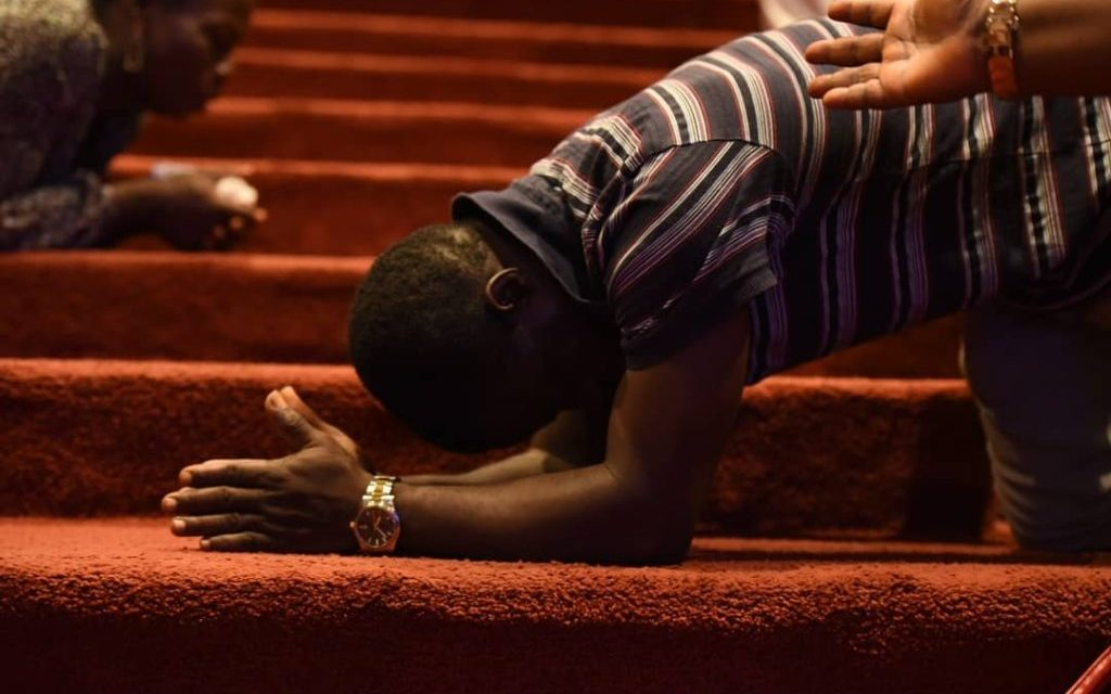 You Ought To Pray Not Faint, Pst Taiwo Admonishes Fountaineers