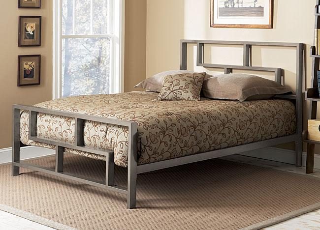 Comfortable And Modern Bedroom With Stylish Bed Founterior