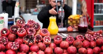 Напитки в Стамбуле: свежевыжатый гранатовый сок
