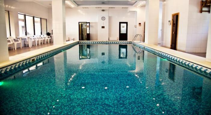 Отели Алушты с бассейном - «Голден Резорт»