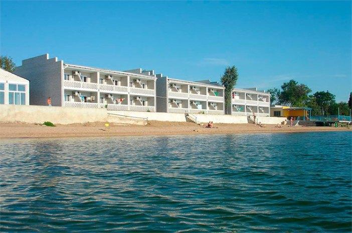 Отели в районе Кояшского озера: пансионат Коралл (Керчь, Крым)
