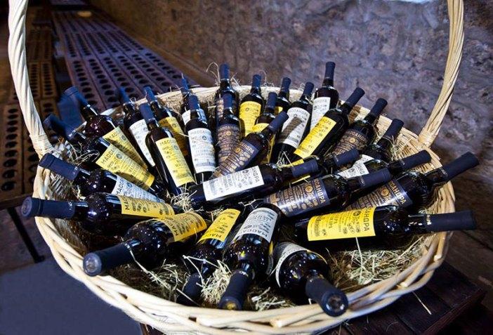 Сувенирная коллекция вин и портвейнов «Классикой Массандры»