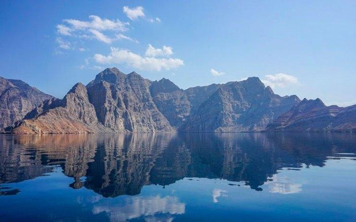 Голубые фьорды полуострова Мусандам, Оман