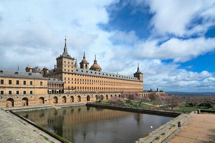 Куда съездить из Мадрида на день: Эскориал
