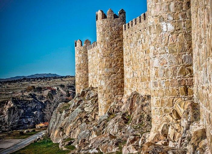 Крепостные стены Авилы (Испания)