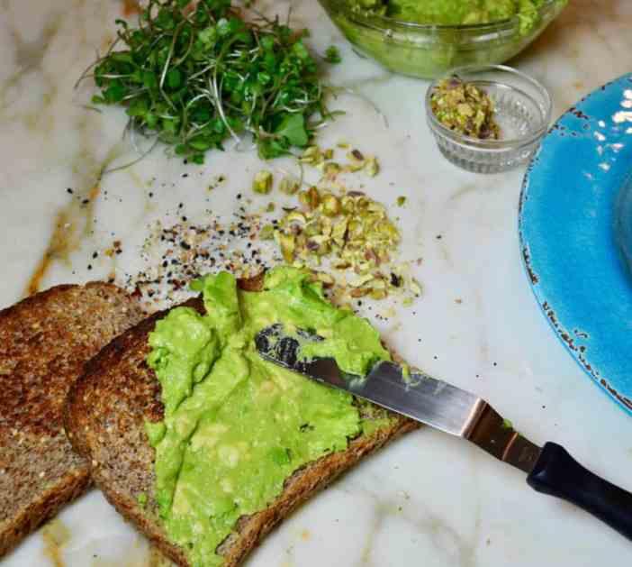 Рецепт пасты из авокадо для бутербродов / тостов