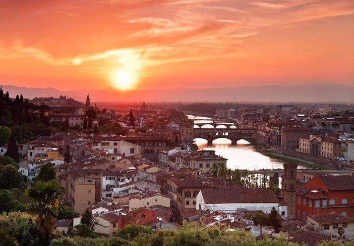 Закат над Флоренцией и рекой Арно