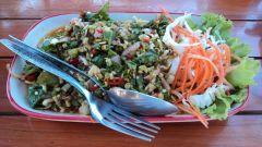 Thailand: Spicy papaya salad