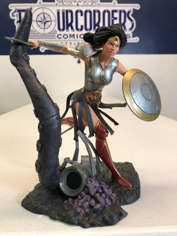 DC GALLERY METAL WONDER WOMAN PVC FIGURE