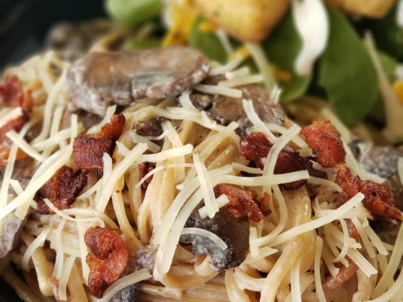 Bacon & Mushroom Pasta in Cream Sauce