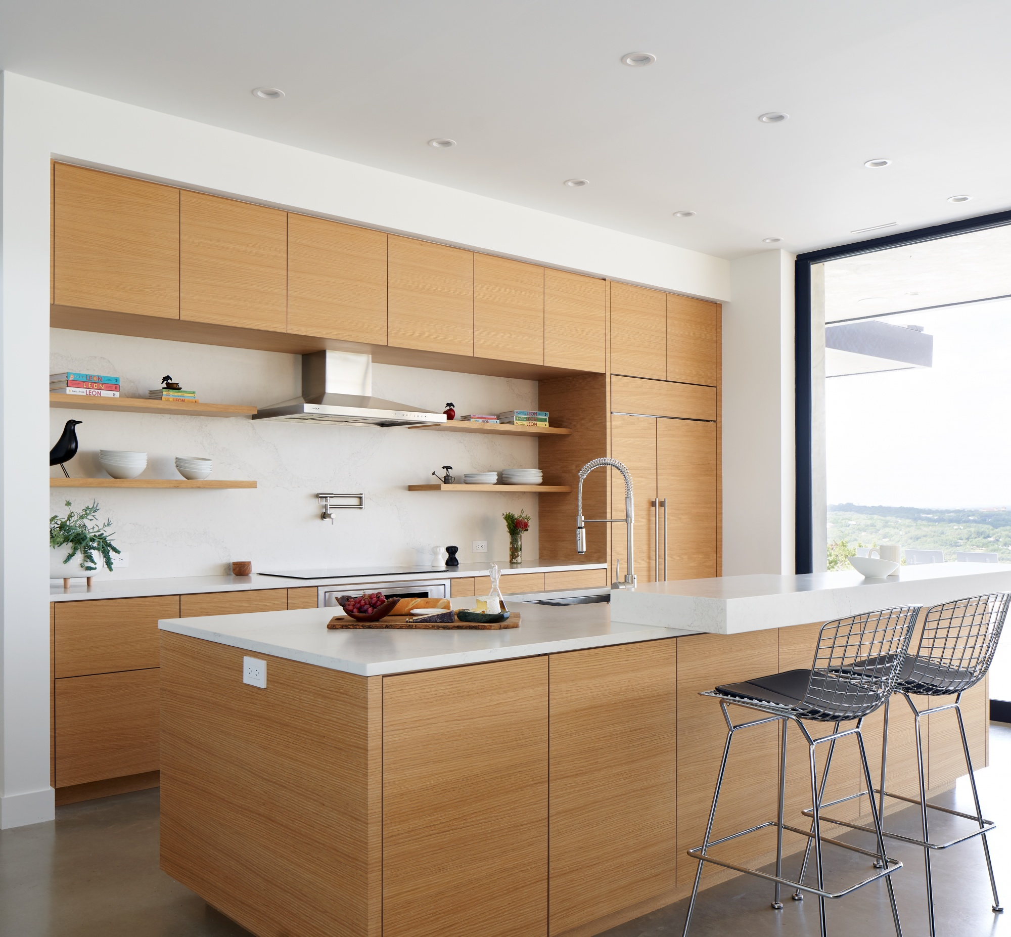 Relaxed and inviting kitchen design.