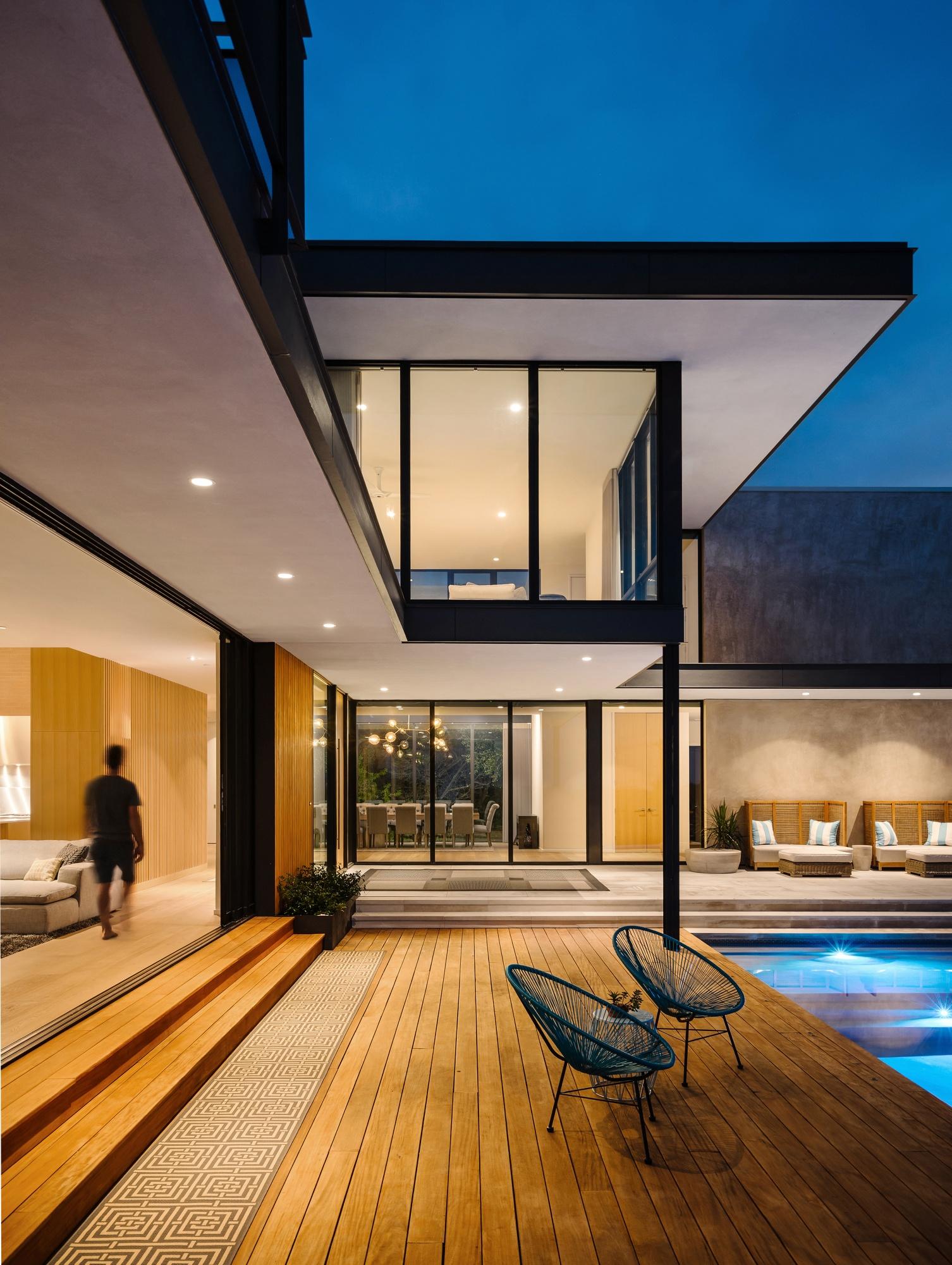 Blurred lines between indoor and outdoor living.