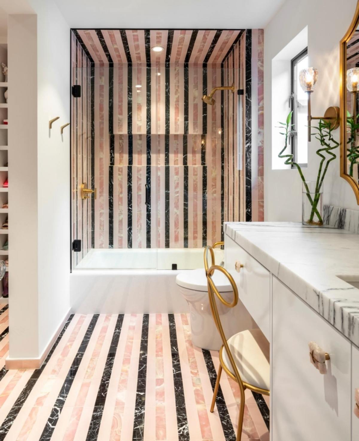 You got to admit it's just perfect for a daughter's bathroom. Awesome work by @lovecounty Interior Design and Architecture by @lankerani_architecture