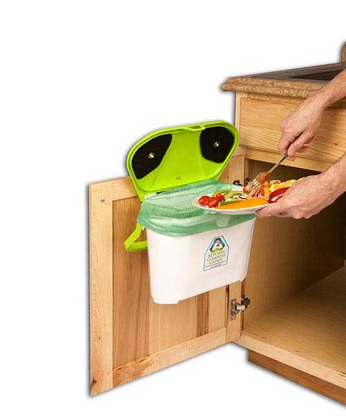 Kitchen Compost Caddy4