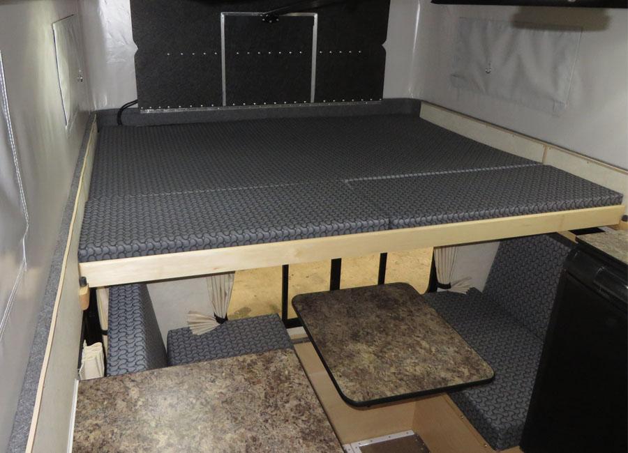 HAWK POP UP 65 REGULAR BED Four Wheel Campers Low