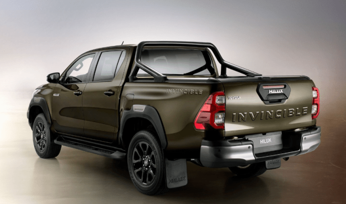2021 Toyota Hilux Invincible VNT Turbo