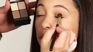 Tips Menggunakan Eye Shadow Sariayu