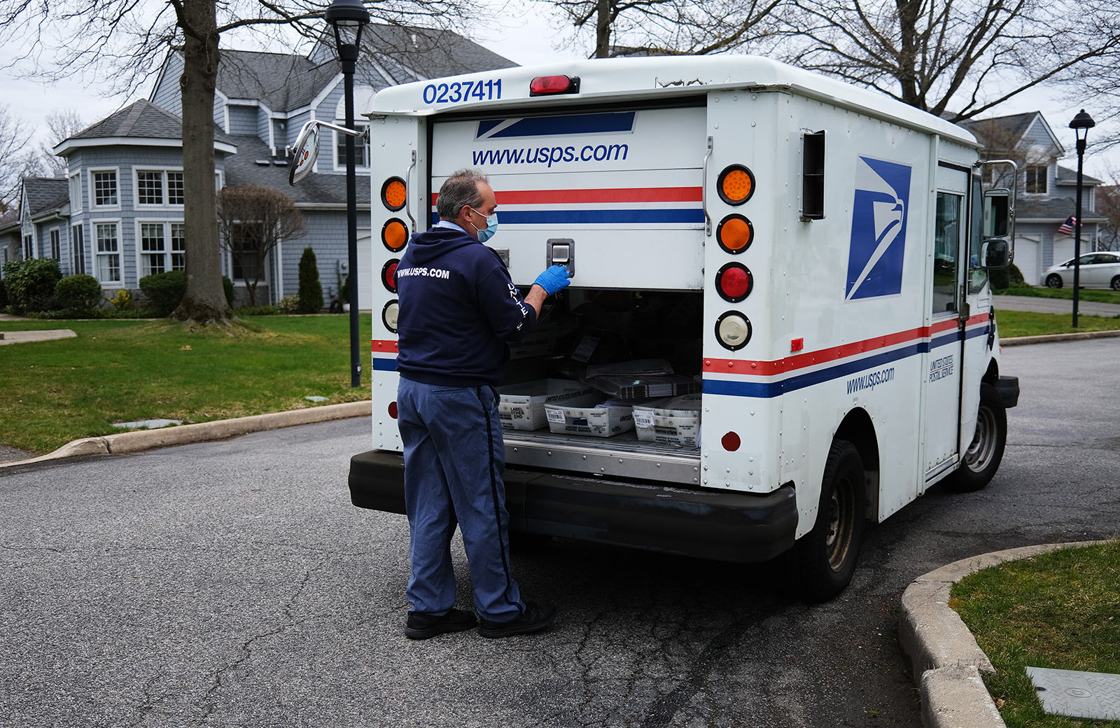 Trump Administration Makes Inroads Into Us Postal Service