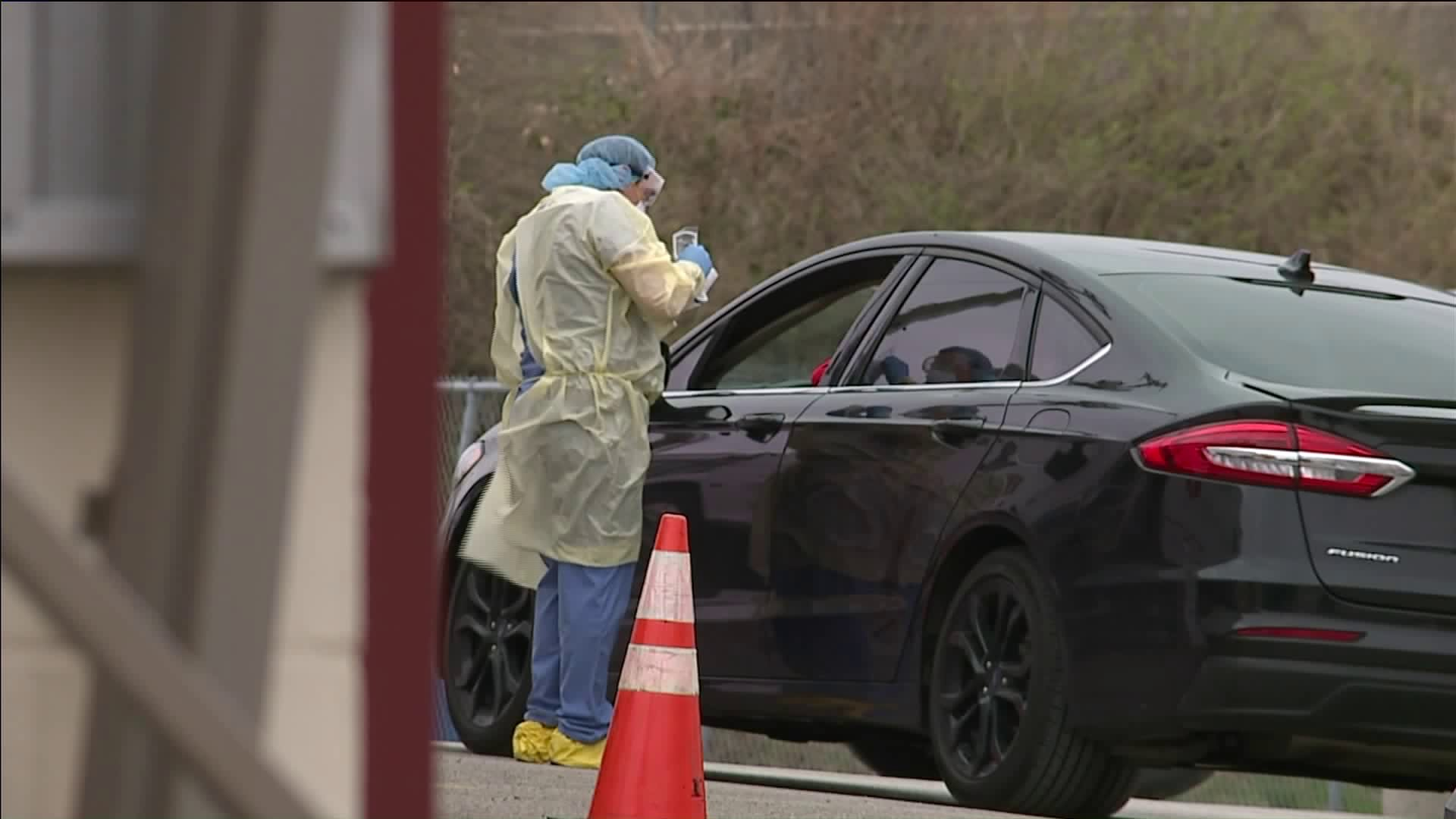 Picture of KCK clinic giving coronavirus drive-thru tests