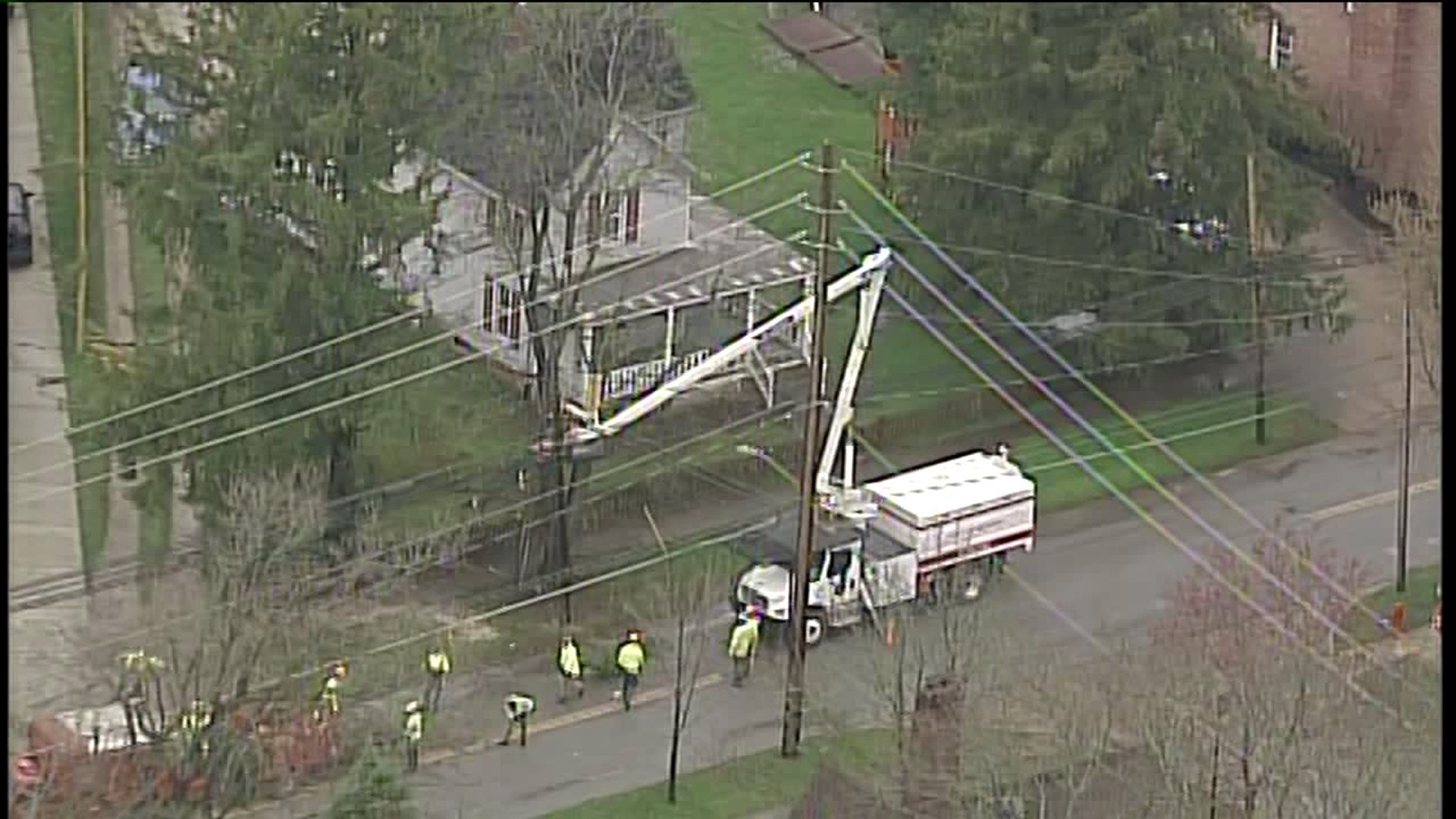 power outage, electric workers