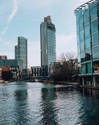 Promenade sur Regent's canal Londres