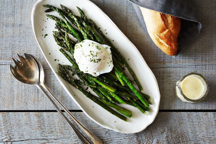 Roasted Asparagus with Lemon-Mustard Sauce - Want to impress your guests at brunch? Try this easy but elegant dish that makes you look like a star! | foxeslovelemons.com