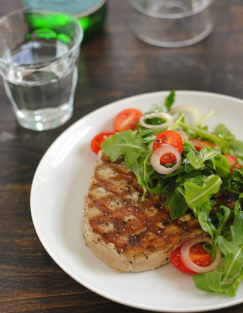 Grilled Tuna with Marinated Tomato & Arugula Salad - a simple yet special meal that impresses! | foxeslovelemons.com