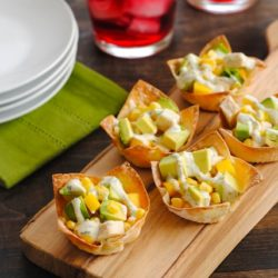 Chicken, Mango & Avocado Wonton Cups - a simple, colorful and flavorful finger food! | foxeslovelemons.com