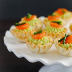 Smoked Salmon & Avocado Mousse Phyllo Cups - A tiny party bite that is full of flavor, perfect for any occasion. | foxeslovelemons.com