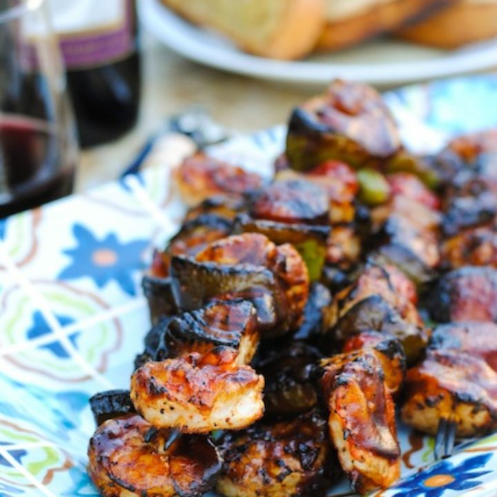 Jambalaya Kabobs - Cajun-spiced chicken, shrimp, sausage and veggies on grill-ready skewers! | foxeslovelemons.com