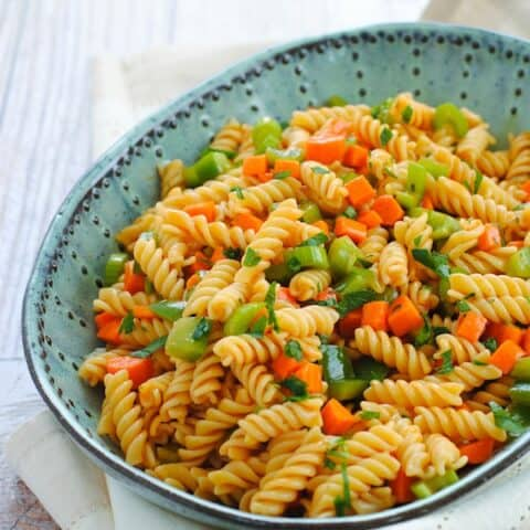 Buffalo Ranch Pasta Salad - A flavor-packed side dish that's a total crowd pleaser! | foxeslovelemons.com