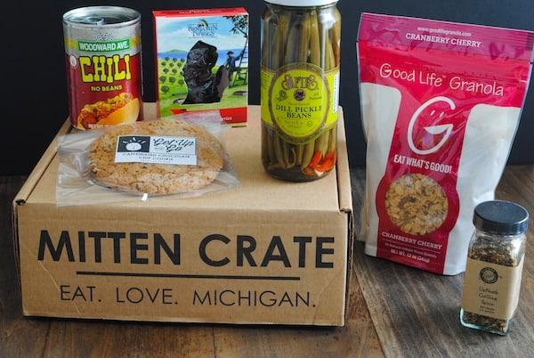 Mitten Crate August 2014 | foxeslovelemons.com