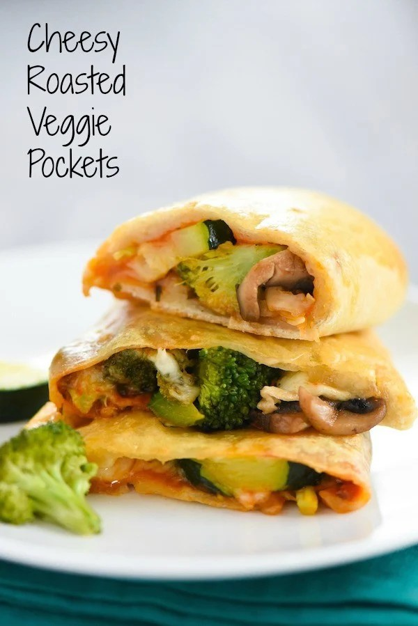 Cheesy Roasted Veggie Pockets - A make-ahead lunch or snack that will make a vegetable lover out of anyone!   foxeslovelemons.com