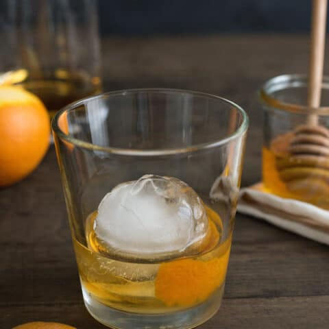 Honey Old Fashioned - A sweet twist on the classic bourbon cocktail.   foxeslovelemons.com