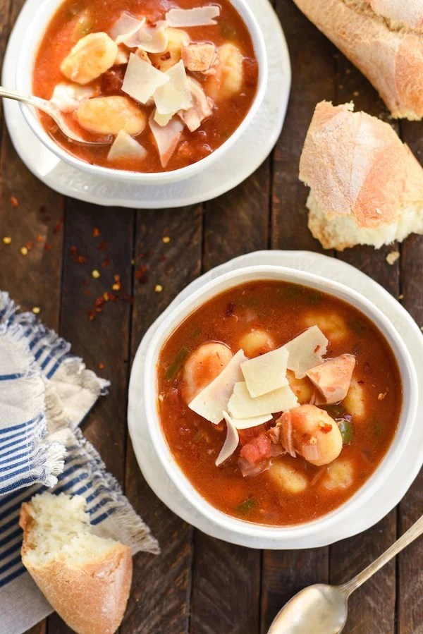 Turkey & Gnocchi Arrabiata Soup - Use leftover turkey (or chicken) and potato gnocchi for this quick-fix Italian-inspired soup! | foxeslovelemons.com