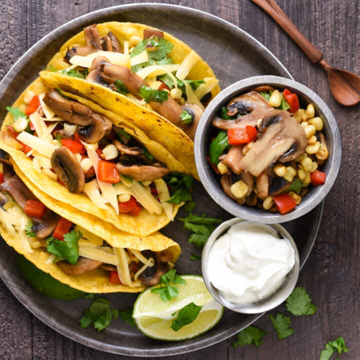Mushroom & Gouda Tacos - Have $10 and 20 minutes? This healthful but flavorful vegetarian meal can be on your dinner table in a flash! | foxeslovelemons.com