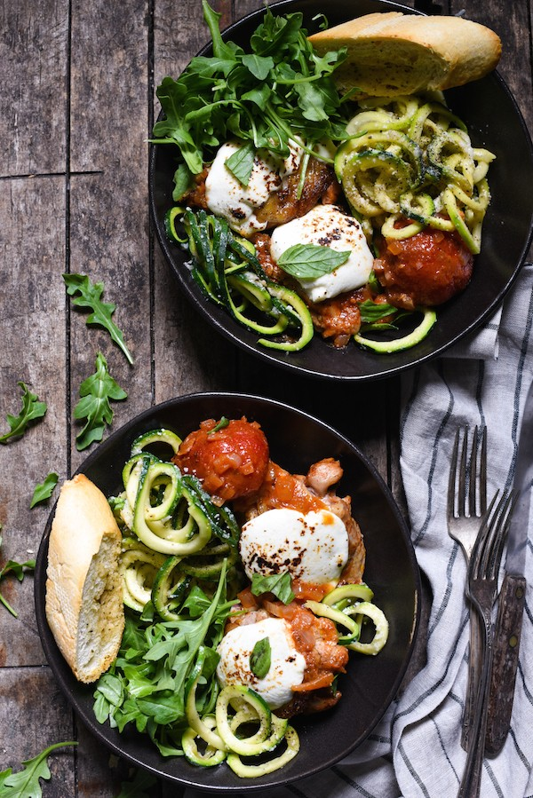 Caprese Braised Chicken with Cacio e Pepe Zucchini Noodles - A healthful, Italian-inspired meal in a bowl that is packed with veggies! | foxeslovelemons.com