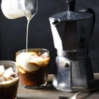 Hazelnut Expresso White Russians - A decadent, nutty cocktail with a kick of coffee. | foxeslovelemons.com