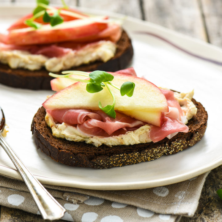 Apple, Prosciutto & Figgy Goat Cheese Tartines