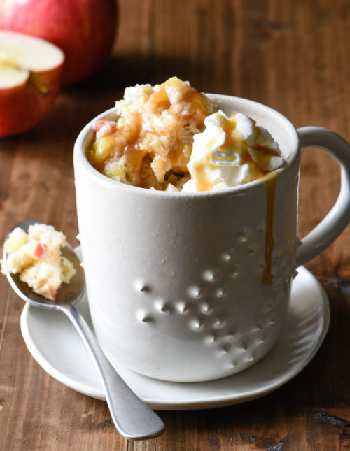 Craving a sweet treat but don't want to spend a lot of time in the kitchen? Use pantry ingredients and thisCaramel Apple Mug Cake recipe to make two perfect portions of cake in your microwave.  foxeslovelemons.com