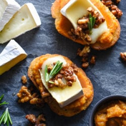 Impress your guests this holiday season with these Pumpkin & Brie Crostini with Candied Nuts. They look totally fancy, but they're 100% achievable for home cooks of all levels! | foxeslovelemons.com