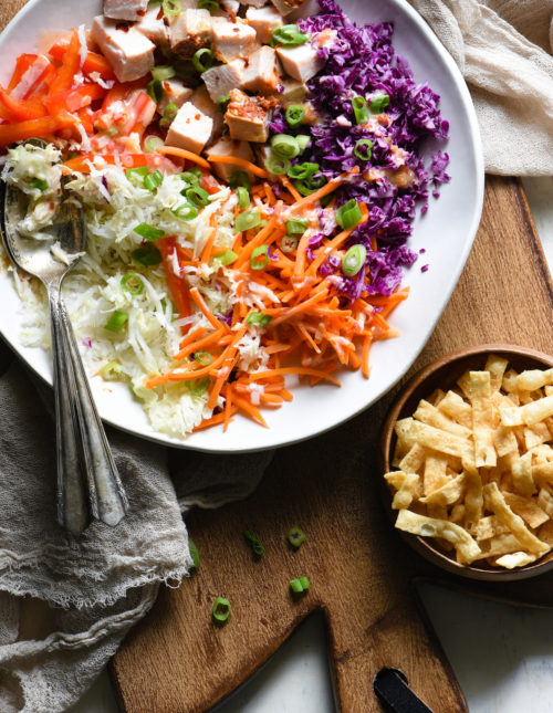 Meal preppers, listen up: all of the ingredients for this Turkey Egg Roll Salad can be chopped and prepped in advance. When you're ready to eat, dinner can be on the table in less than five minutes!   foxeslovelemons.com