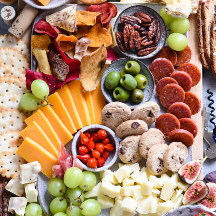 Making a cheese board for wine tasting? Follow this simple, down-to-earth guide to start pairing cheese, charcuterie and other snacks with wine! | foxeslovelemons.com