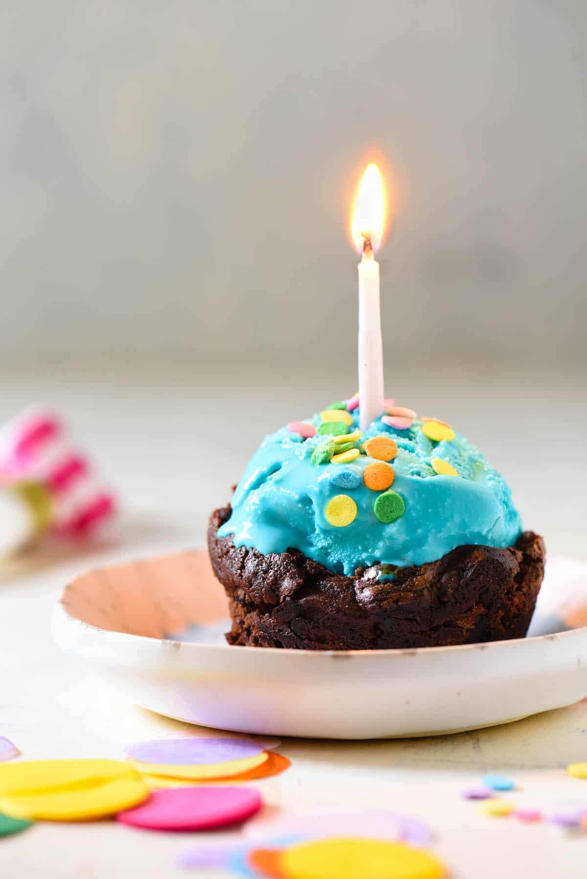 Celebrate one sweet birthday with these Brownie Bowls for Ice Cream. No special equipment needed - they're made in a cupcake pan!   foxeslovelemons.com
