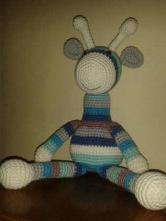 Crochet giraffe (pattern by Emma at I Love Buttons blog)