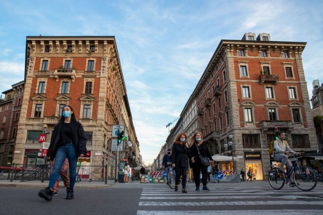 Italy to impose many stricter curbs as COVID cases hit records