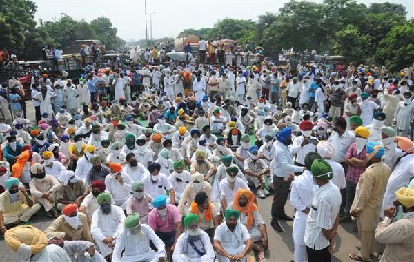 Punjab Panchayats called residents to join farmers protest or pay fine