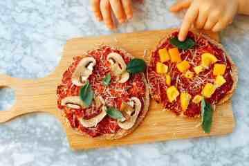 Pizza van pita broodjes