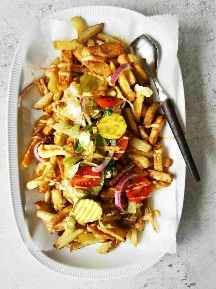 Friet met knolselderij reepjes en big mac saus